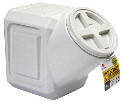 7. Vittles Vault Airtight Pet Food Container