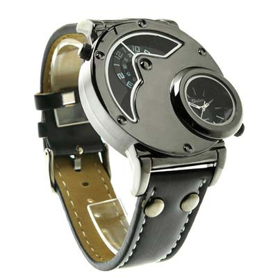 10. Oulm Luxury Men's Wrist Watch