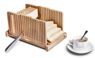 4. WELLAND Bamboo Bread Slicer