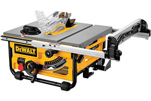 Portable tabletop saw