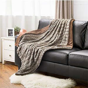 8. Bedsure Faux Fur Throw Blanket PV Fleece Bed Throws