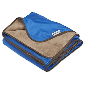 7. Lightspeed Outdoors XL Rainproof and Windproof Blanket