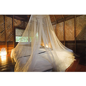 9. Mosquito Nets 4 U LARGE Mosquito Net Bed