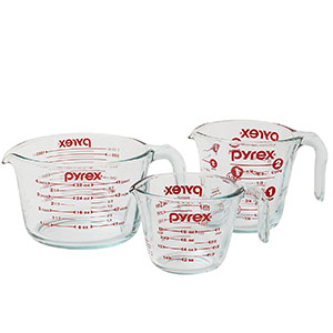 1. Pyrex 3-Piece Glass Measuring Cup Set