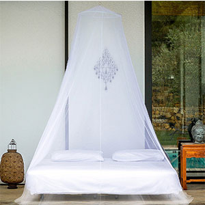 1. EVEN Naturals Mosquito Net for Twin, Queen and King Size Bed