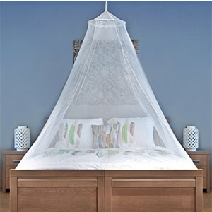 6. Universal Backpackers MOSQUITO NET For Home And Travel