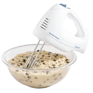 1. Hamilton Beach Hand Mixer with Snap-On Case (62682RZ)