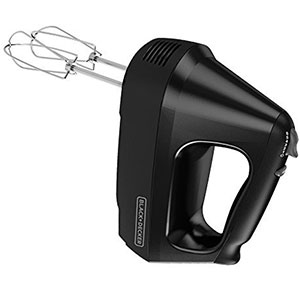 6. BLACK+DECKER 6-Speed Hand Mixer (MX3200B)