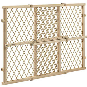 1. Evenflo Wooden Baby Gate