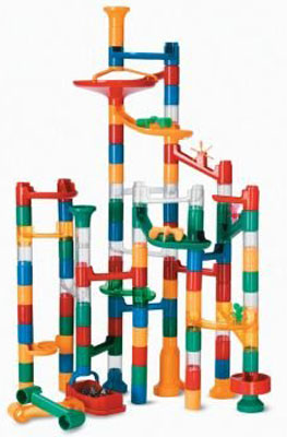 2. MindWare 123-Piece Set of Marble Run